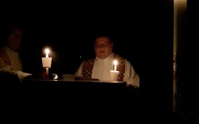 Feier der Osternacht – Ein Ostergruß aus der Pfarrkirche St. Johann, Keplerplatz